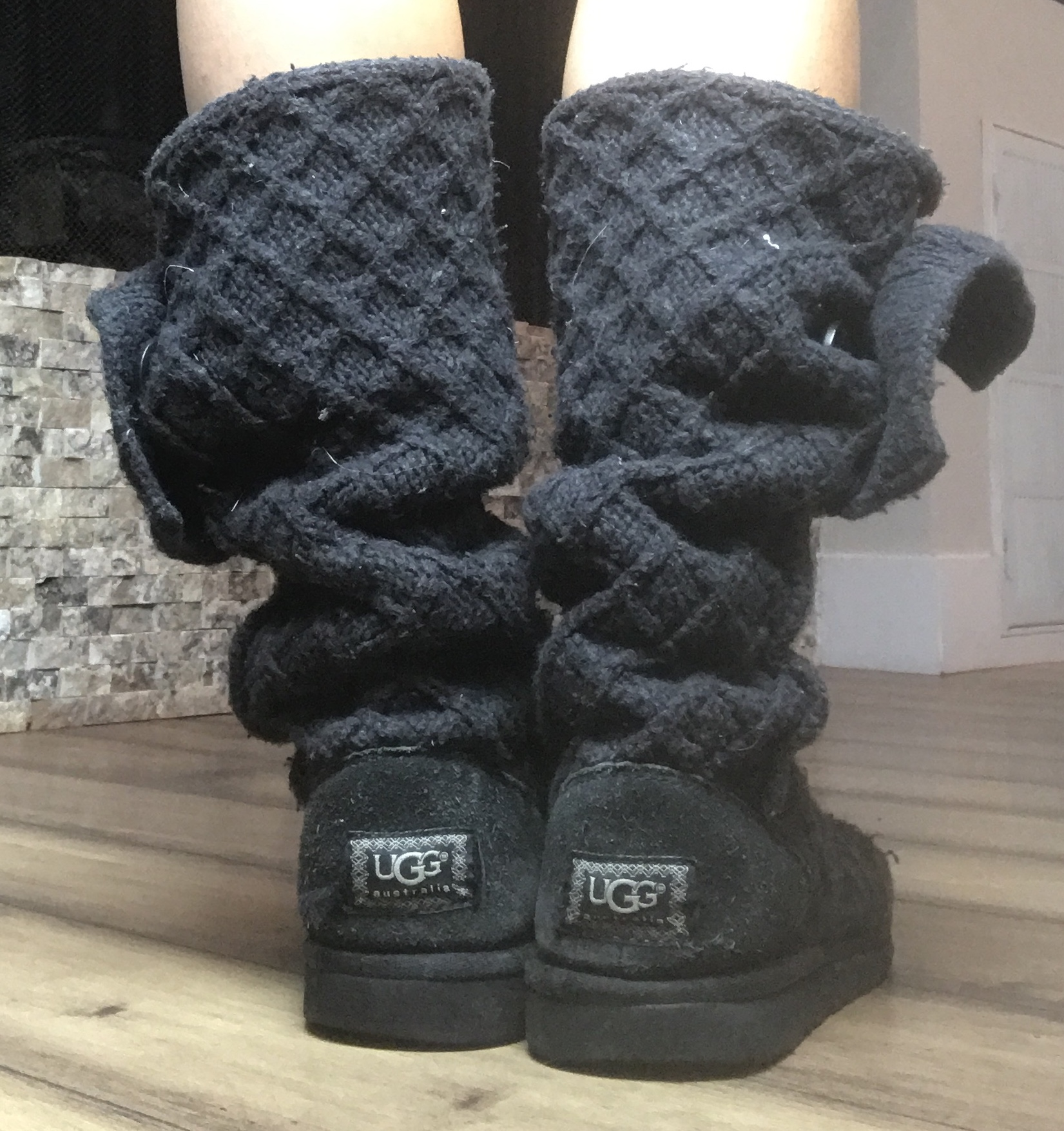 b37cd86544e UGG Classic Cardy Boot (SIZE 7)